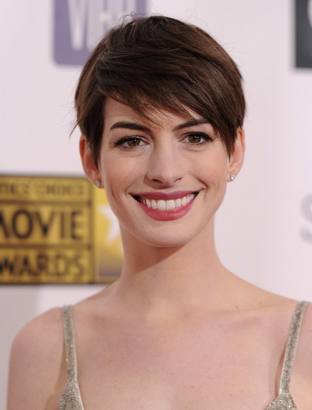Anne Hathaway Short Pixie Haircut 2013