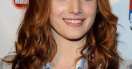 Bella Thorne Long Wavy Hairstyles With Bangs
