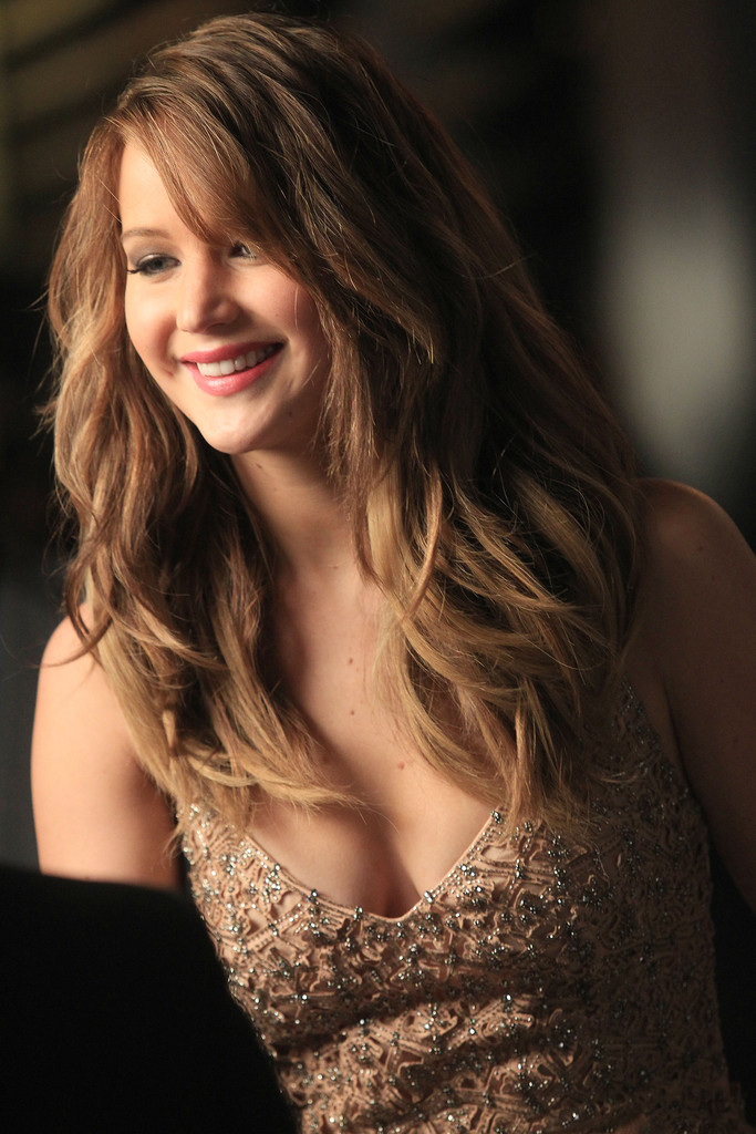 Jennifer Lawrence Long Wavy Hairstyles