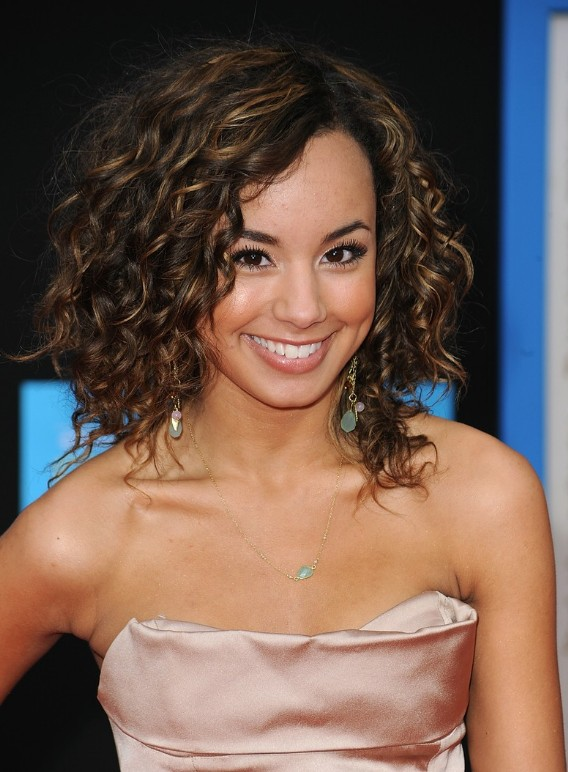 is curly hair in style 2014 curly inverted bob hairstyles fashion trends styles for 2014 4765