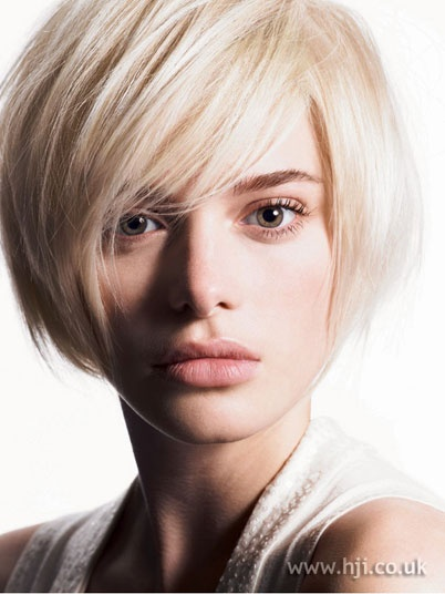 layered bob hairstyles with fringe