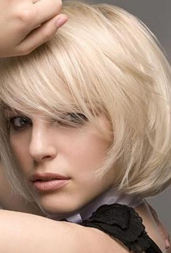 layered bob hairstyles with side bangs