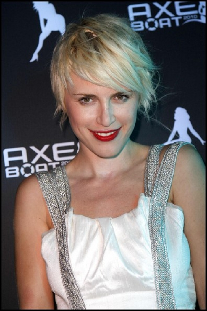 short shaggy blonde hairstyles