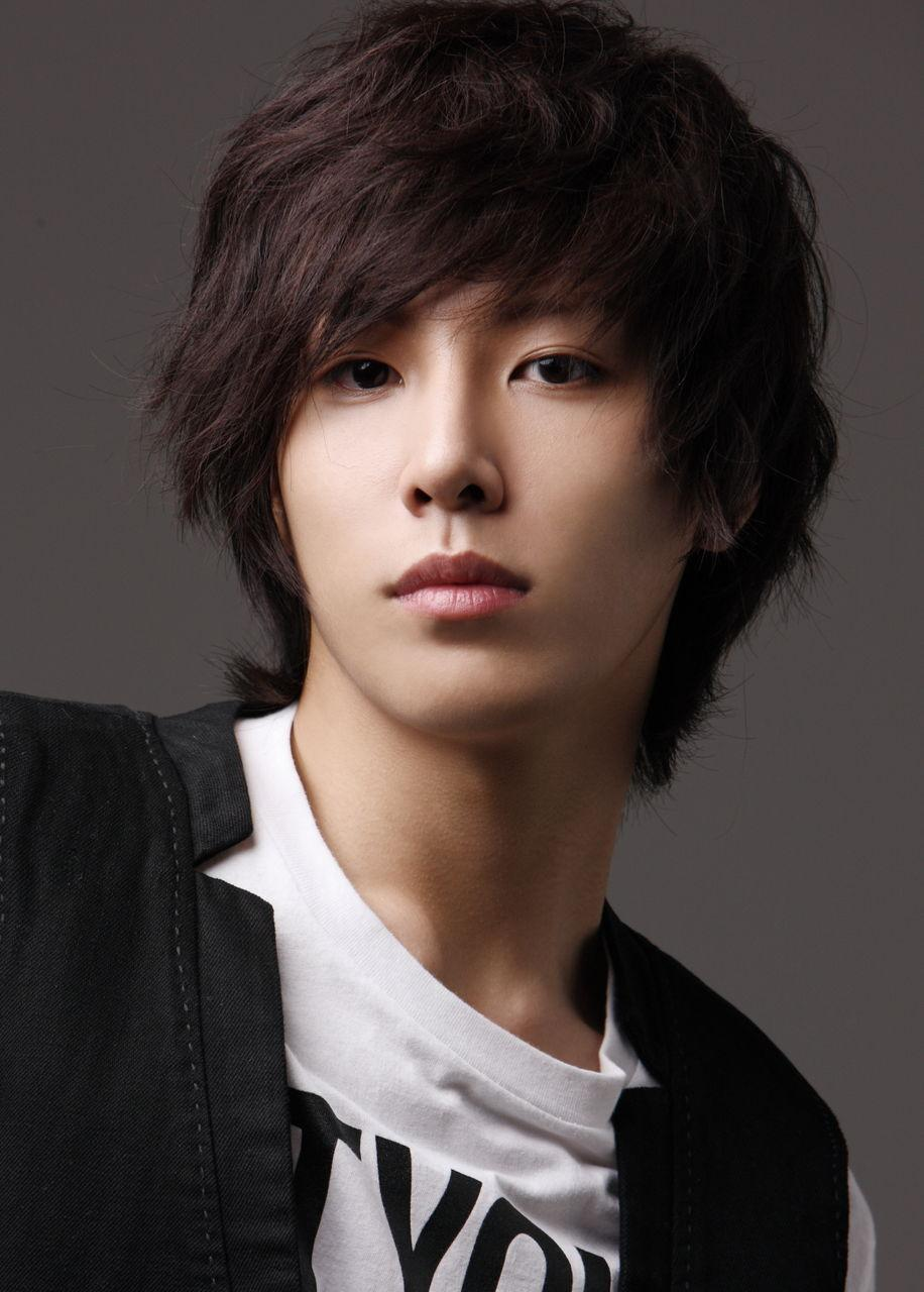 Best Asian Hairstyles for Men 2013