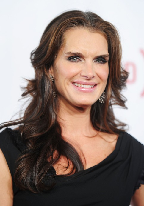 Best Long Wavy Hairstyles for Women Over 50