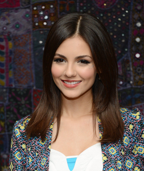 Cute Victoria Justice Long Straight Hairstyles