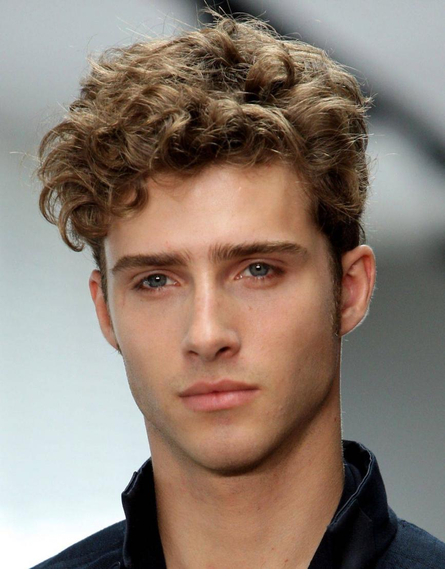 Short Shaggy Hairstyles for Men with Curly hair