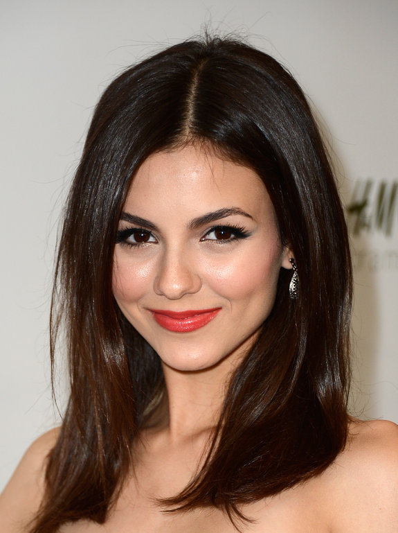Victoria Justice Long Straight Hairstyles 2013 Fashion