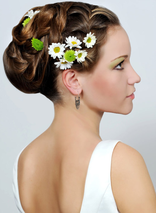 Wedding Hairstyles for Short Hair with Flowers
