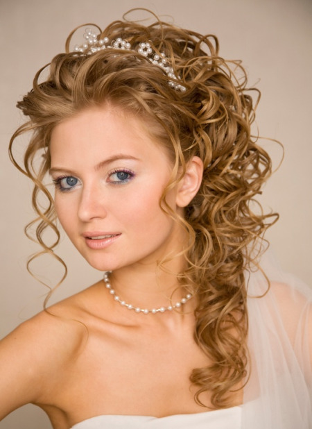 curled half up hairstyles
